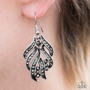 paparazzi Jewelry - 🌻NEW! Smoky, hematite rhinestone earrings!